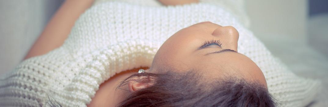 dormir llevando lentes de contacto