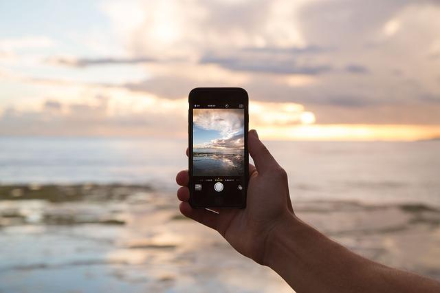 Los usuarios de tabletes y smartphones se benefician del uso de lentes de contacto